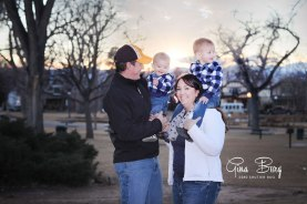 © Gina Burg | Winter Family Photo Session