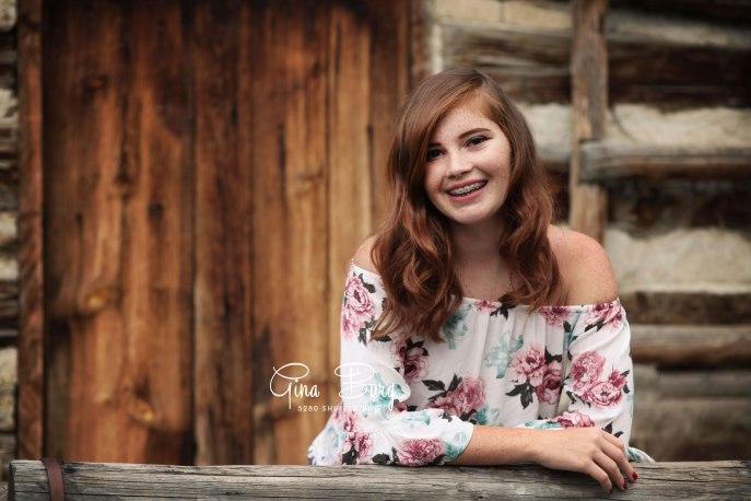 Gina Burg | Senior Portrait Photographer